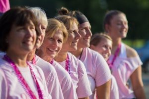 """The Gilmore Girls"" participate in their first Susan G. Komen 3-Day® to honor their mother and grandmother who lived in Ohio"