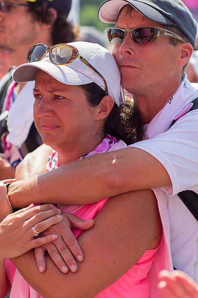 hug closing 2013 Twin Cities Susan G. Komen 3-Day breast cancer walk minneapolis st. paul