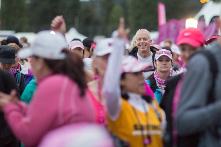 William K awaits with Komen 3-Day® walkers at the beginning of the route on Day 2 of the Seattle 3-Day