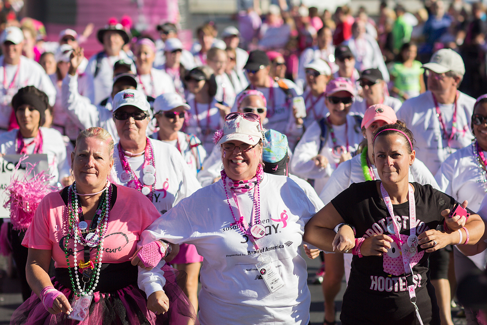 team closing 2013 Atlanta Susan G. Komen 3-Day Breast Cancer Walk